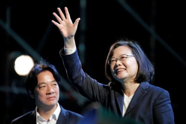 Taiwan's President Tsai Ing-wen attends Democratic Progressive Party's (DPP) New Taipei city mayoral candidate Su Tseng-chang's campaign rally for the local elections in New Taipei City, Taiwan November 23, 2018. REUTERS/Ann Wang - RC1AE8D678E0