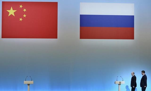 Putin and Xi Eye the Soviet Collapse